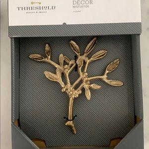 Decor mistletoe